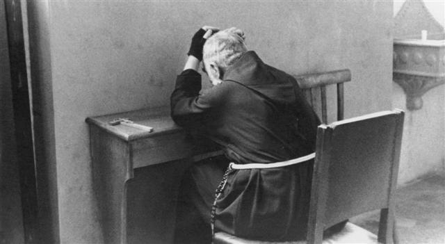 ¡El PADRE PÍO fue asesinado por orden de Montini-Pablo 6 ! Calendar-05_0003%20(Small)