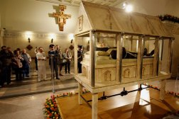The glass coffin in which